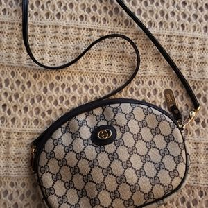 "💞VNTG ""RARE"" GUCCI GG NAVY OVAL COATED CANVAS CB"